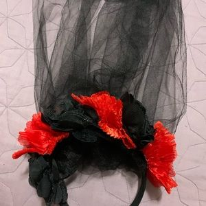 Headband with flowers and veil